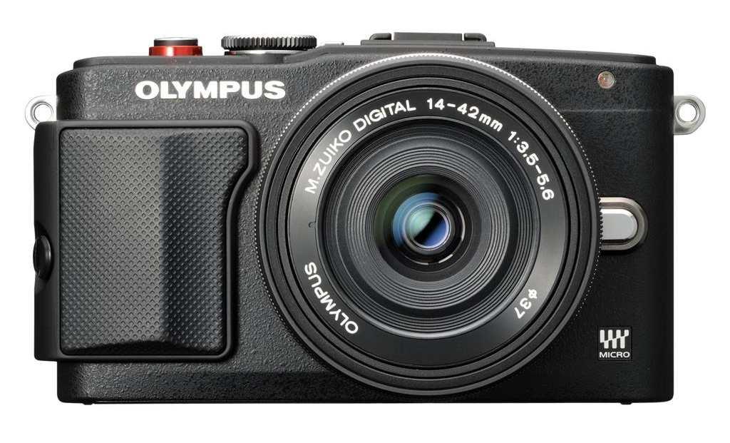 Olympus E-PL6 + 14-42mm II R černý + externí blesk