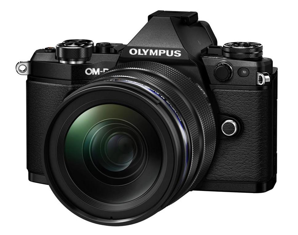 Olympus OM-D E-M5 II + 12-40 mm ED PRO black + Karta SDHC 32GB