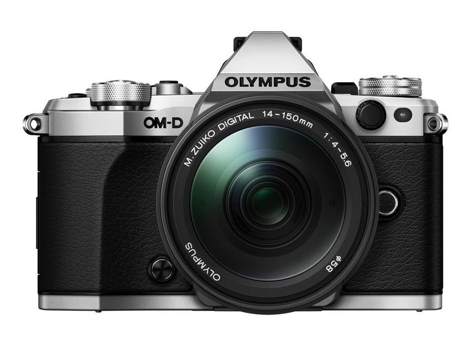 Olympus OM-D E-M5 II + 14-150 mm ED II silver + Karta SDHC 32GB