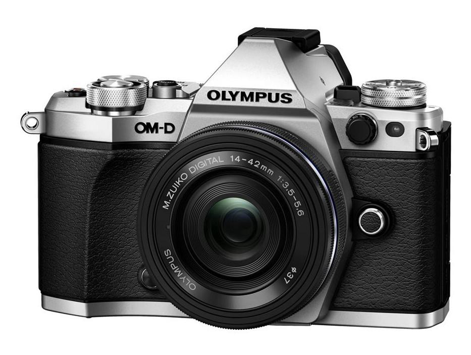Olympus OM-D E-M5 II + 14-42 mm EZ silver + Karta SDHC 32GB