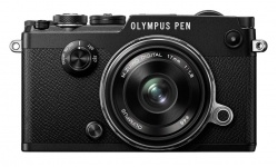 Olympus PEN-F + 17 mm 1,8 black (1718 Kit) + Karta SDHC 32GB