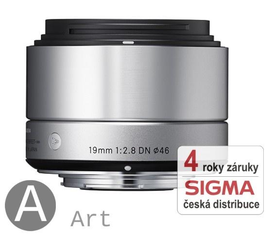 Sigma 19 mm F 2,8 DN stříbrný pro Olympus Micro 4/3 (řada Art)