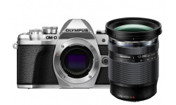 Olympus OM-D E-M10 mark III + 12-200 stříbrný + karta SDHC 32GB