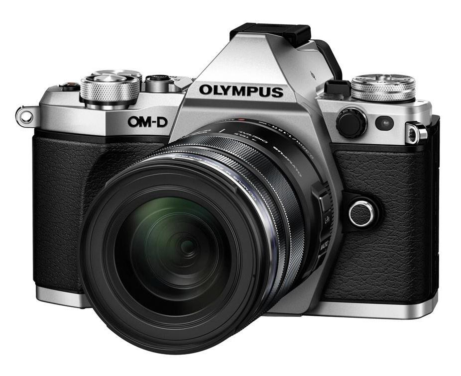 Olympus OM-D E-M5 II + 12-50 mm EZ silver + Karta SDHC 32GB