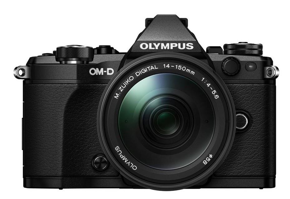 Olympus OM-D E-M5 II + 14-150 mm ED II black + Karta SDHC 32GB