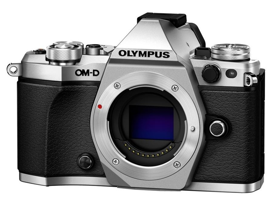 Olympus OM-D E-M5 II body silver + Karta SDHC 32GB