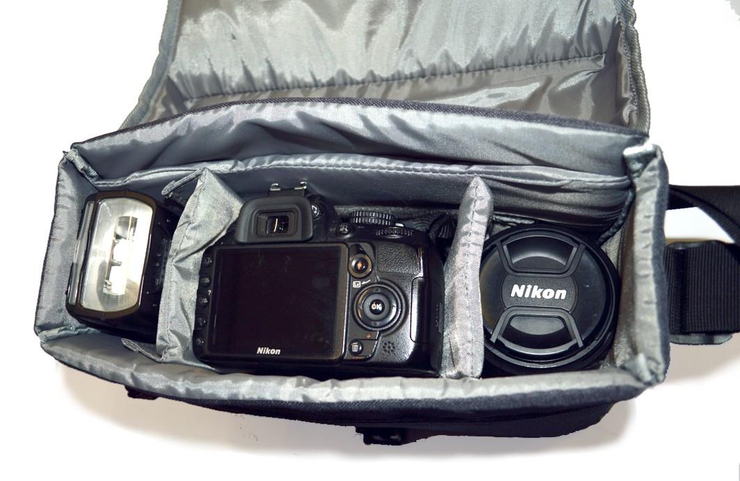 0e4375555c Nikon CF-EU11 SLR Systémová Brašna - Stativy.cz