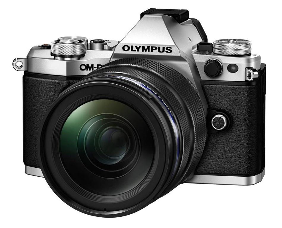 Olympus OM-D E-M5 II + 12-40 mm ED PRO silver + Karta SDHC 32GB
