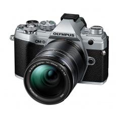 Olympus OM-D E-M5 III silver + 14-150