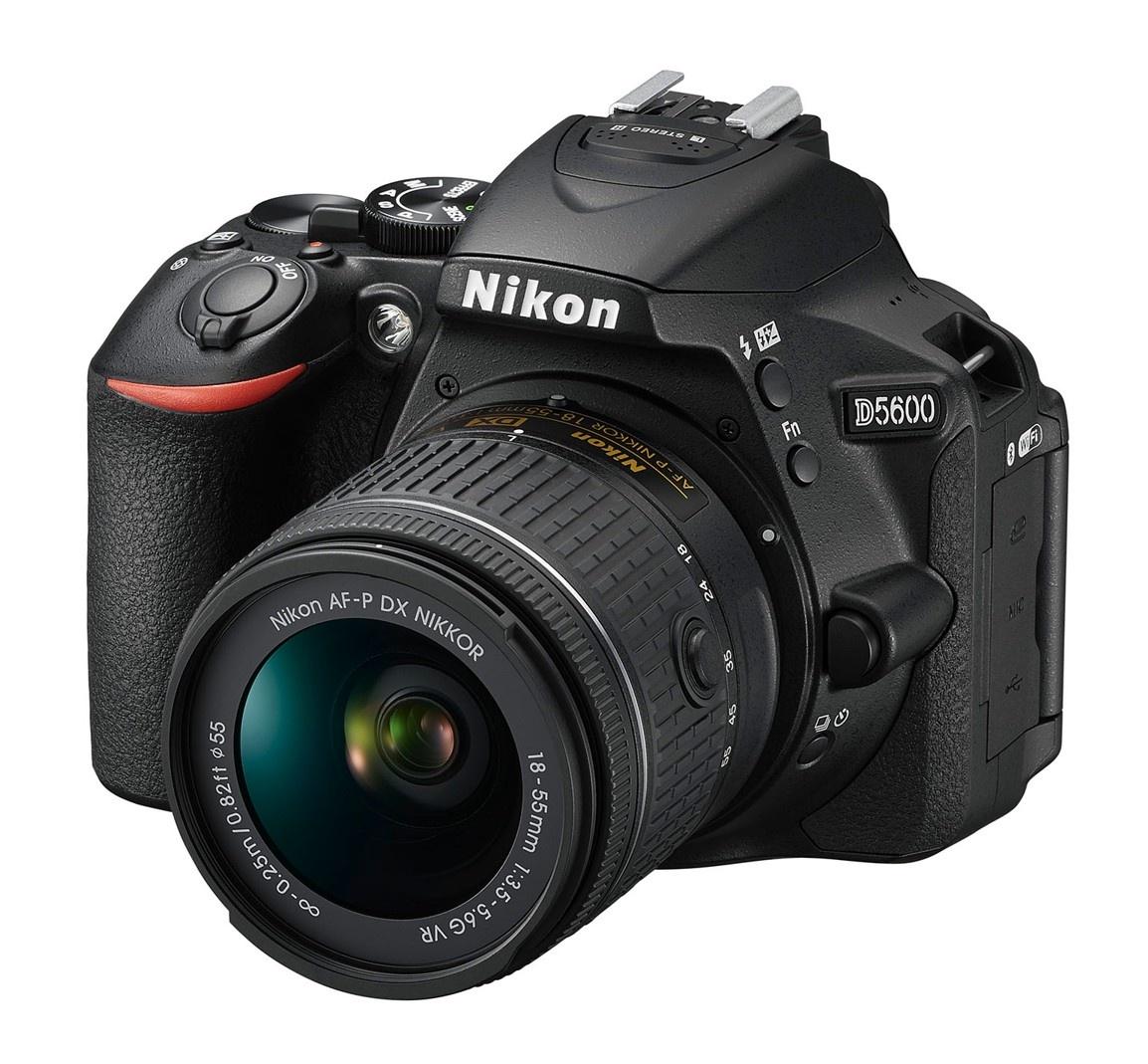 Nikon D5600 + 18-55 mm AF-P VR černý