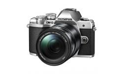 Olympus OM-D E-M10 mark III + 14-150 stříbrný + Karta SDHC 32GB, Náhradní baterie, Powerbanka a Brašna